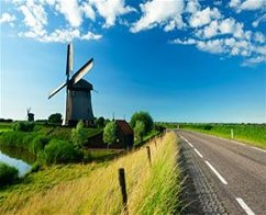 Escorted Half Day Tour to Volendam, Marken & Windmills