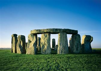 Discover Stonehenge and Bath Tour