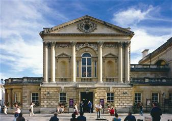 Full Day Private Tour of Bath and Stonehenge