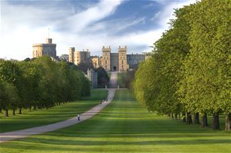 Salisbury, Windsor, Stonehenge & City of Bath with Free Lunch Pack