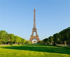 Lunch at the Eiffel Tower with Skip the Line Ticket