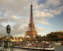 Skip the Line Eiffel Tower Visit, Paris City Tour and Seine Cruise