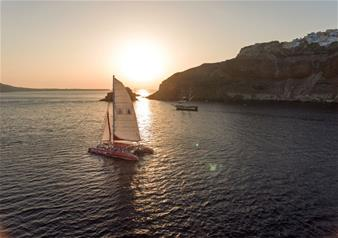 Sunset Tour of Santorini Red Cruise with Buffet and Drinks