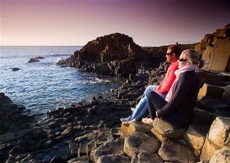 Full-Day Tour to Giants Causeway with 72 Hours Hop-on Hop-off Bus Tour