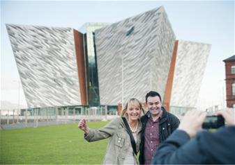 Titanic Belfast Entry Ticket and 48 Hours Hop-on Hop-off Belfast City Sightseeing Tour