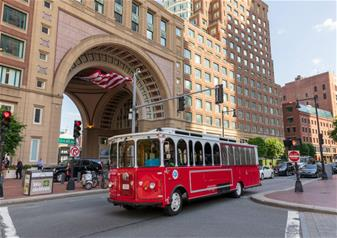3-Hour Trolley Tour in Boston City