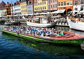 Hop-on Hop-off Boat in Copenhagen