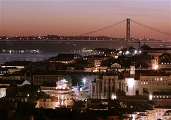 Lisbon Evening Tour and Fado Show with Dinner