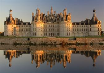Escorted Tour to the Greatest Loire Valley - Chenonceau, Caves Duhard, Chambord, Chateaux and Wines