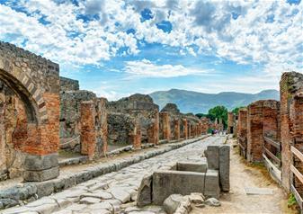 Full-Day Tour to Pompeii and Mt. Vesuvius