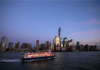 Freestyle Hop-on Hop-off New York Ferry Cruise Tour with 3 Attractions Ticket