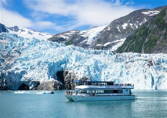 4 Hours Prince William Sound Blackstone Bay Glacier Cruise with Salmon and Prime Rib Meal