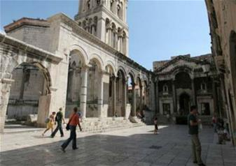 Split Walking Tour with Diocletian Palace