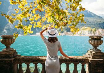 Small Group Tour: Sirmione and Lake Garda in Verona