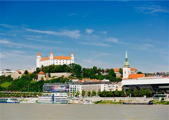 Trip of Bratislava from Vienna by Bus