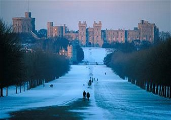 Windsor, Bath, Stonehenge and Salisbury with Lunch on Boxing Day