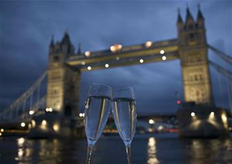 Bateaux London Premier Lunch Cruise