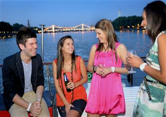 Bateaux London Signature Dinner Cruise