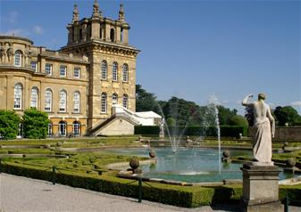 The Cotswolds and Blenheim Palace with Lunch in a Traditional British Pub