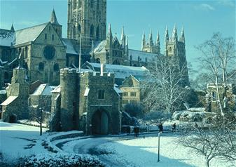 Leeds Castle, Canterbury Christmas Market, Dover and Greenwich with Free Lunch Pack on Christmas Eve