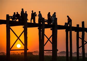 Enjoy Sunset Cocktails at U Bein Bridge in Mandalay – Private Tour