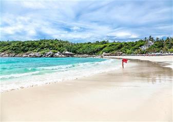 Full Day Guided Tour of Racha Yai and Banana Beach in Phuket with Hotel Transfers