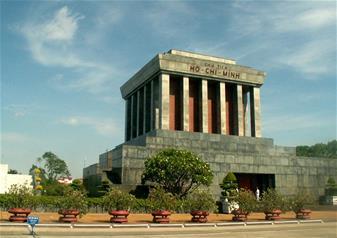 Full Day Private Hanoi City Tour – Green Car Tour
