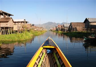 Half Day Guided Tour of Chong Khneas in Tonle Sap Lake with Hotel Transfers