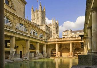 Small Group Tour to City of Bath and Entry to Stonehenge