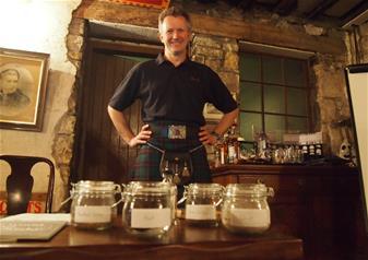 Tour & Whisky Tasting in Edinburgh