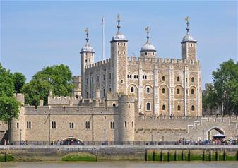 1 Day Hop-on Hop-off Bus Ticket + Tower of London