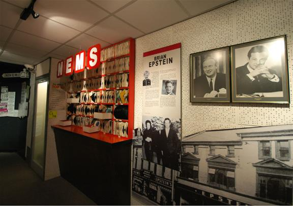 Beatles Liverpool Overnight Tour From London Golden Tours