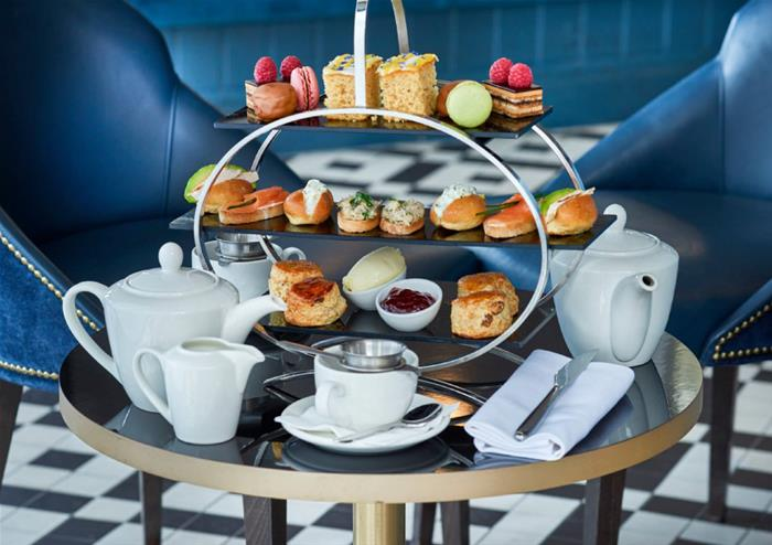 Buckingham Palace And Royal Afternoon Tea At Browns Victoria