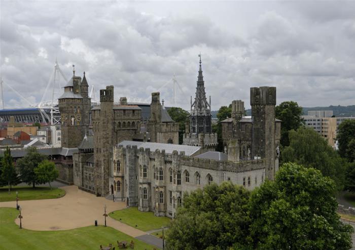 19 top cardiff castle - photo #9