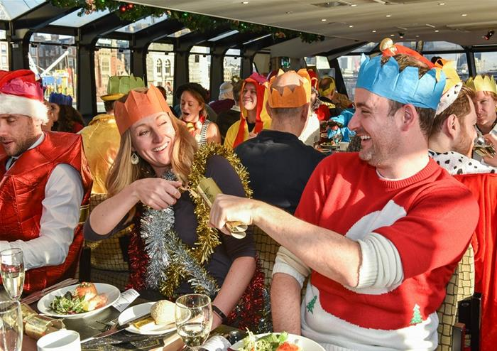 Christmas Day Traditional Lunch With City Cruises