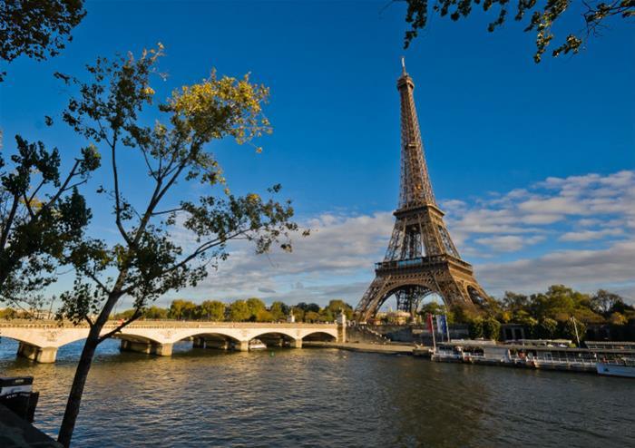 Discover Paris At Your Leisure Golden Tours