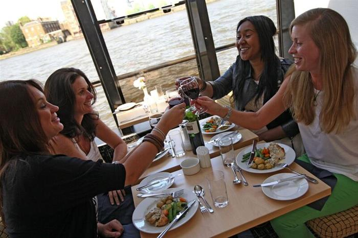 Enjoy Lunch On Thames Lunch Cruise Golden Tours