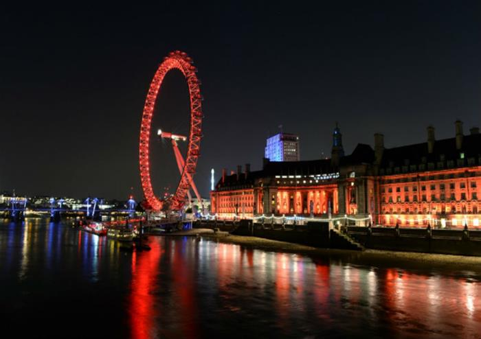 1 Day Hop-on Hop-off Bus Ticket + The lastminute.com London Eye