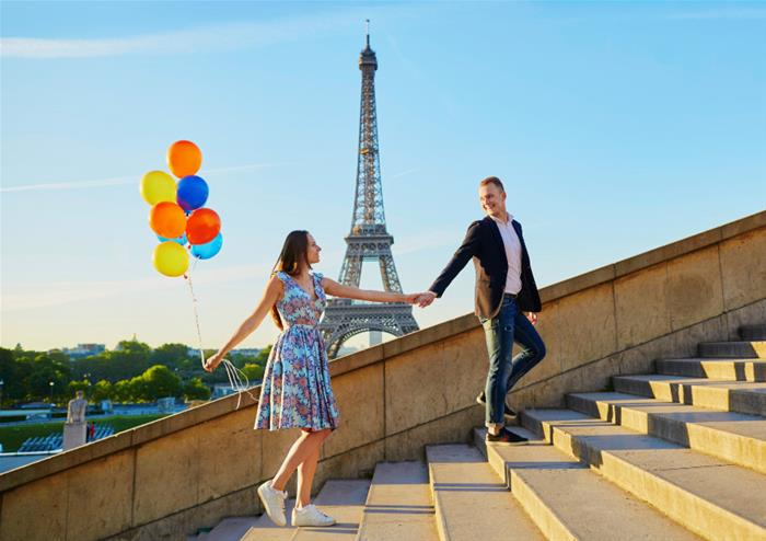 Romantic Paris Day Trip with Louvre & Lunch on the Eiffel Tower