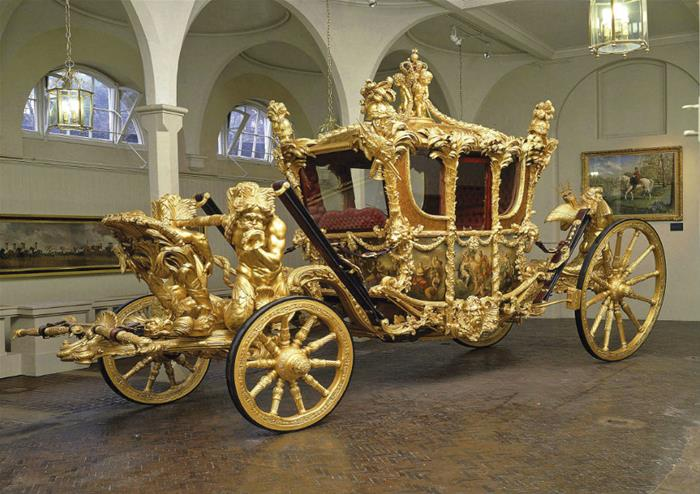 London Motor Cars >> Buy Royal Mews tickets and explore the magic of the ...