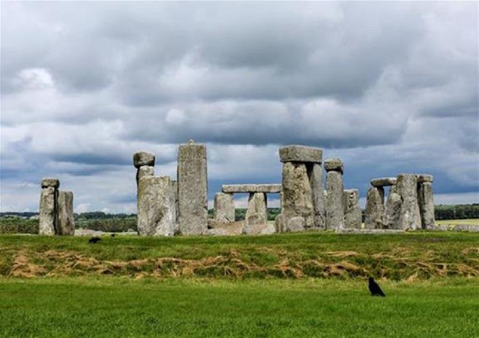 Small Group Tour to Bath and Stonehenge