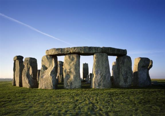 Small Group Tour to City of Windsor and Stonehenge