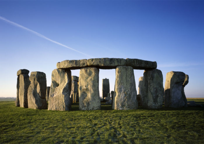 Small Group Tour to Windsor Castle and Stonehenge with Entries
